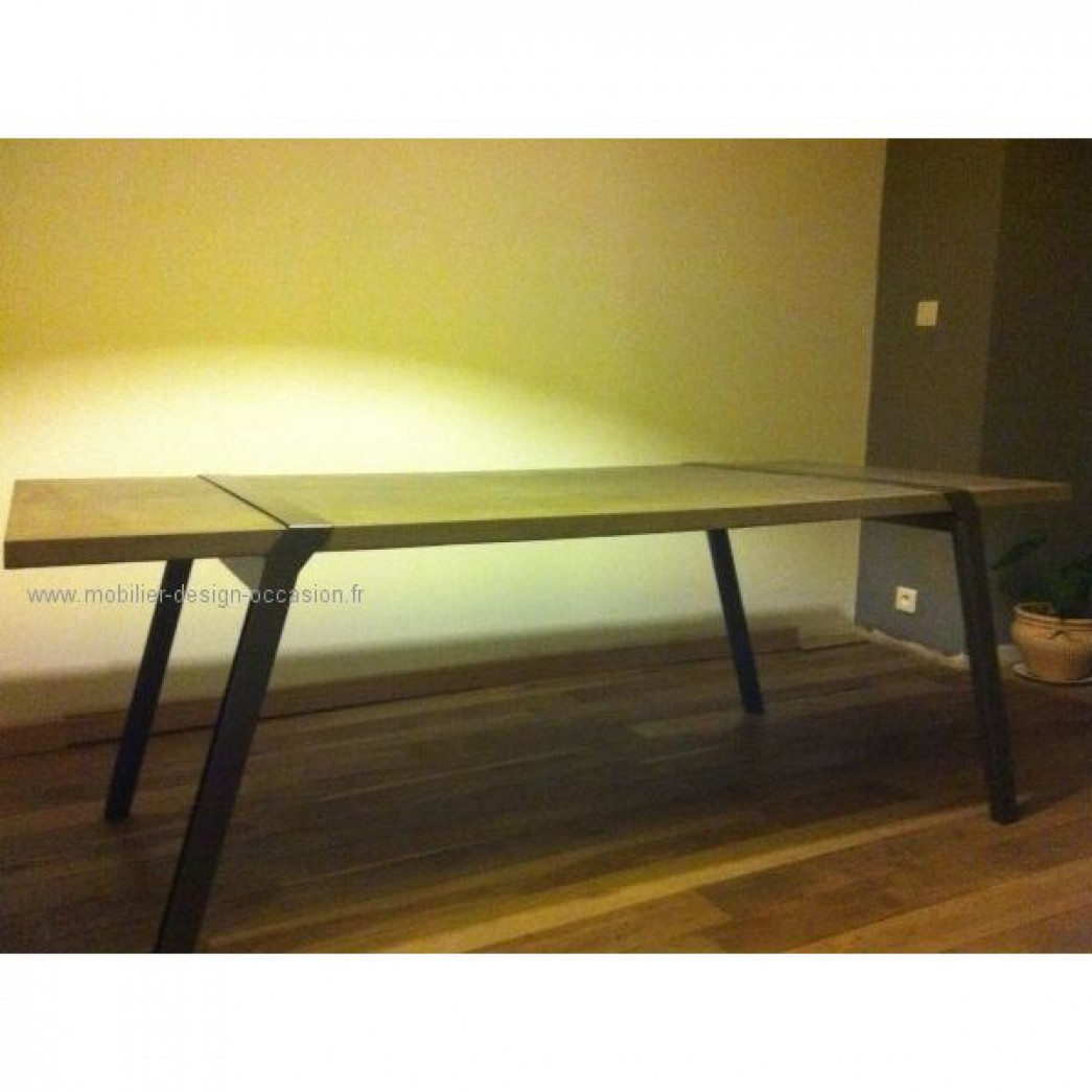 Table cygnes en verre for Table a manger beton