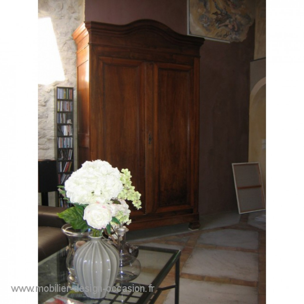 armoire en noyer louis philippe. Black Bedroom Furniture Sets. Home Design Ideas