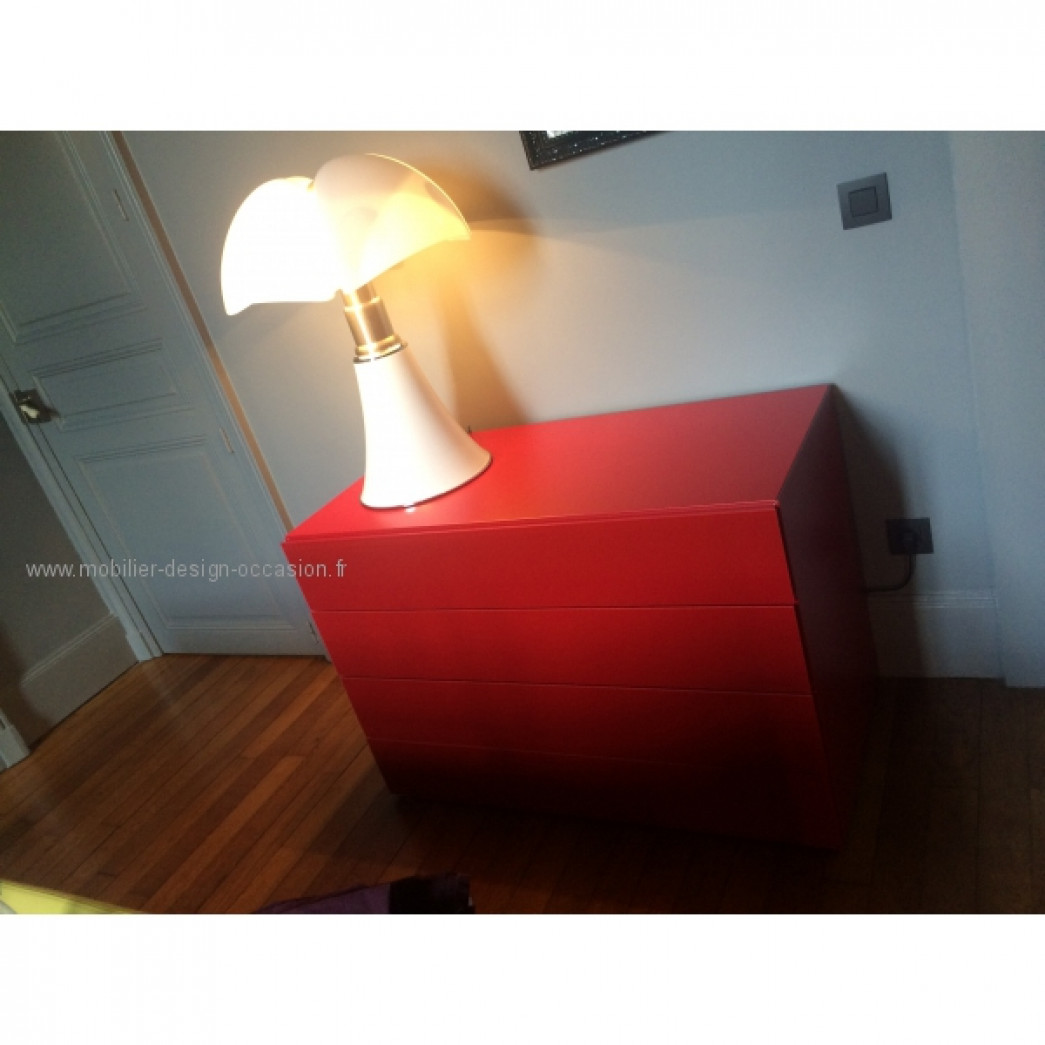 commode laquée rouge