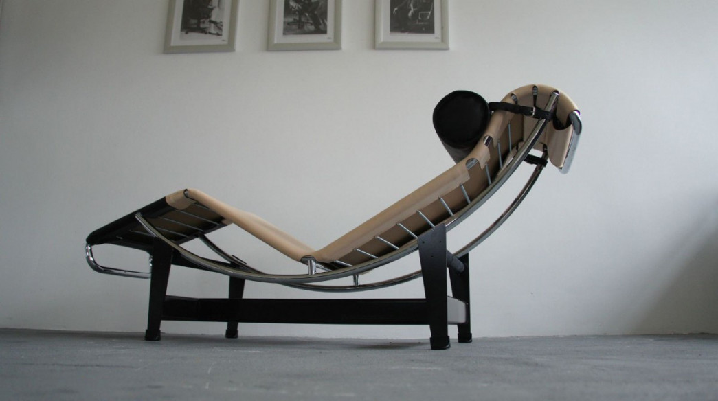 Interesting Chaise Longue Le Corbusier Occasion Se Rapportant Lc Cp Cassina Louis Vuitton Charlotte Perriand With