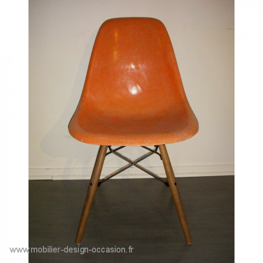 chaise vintage eames dsr la fonda base herman miller ray charles eames. Black Bedroom Furniture Sets. Home Design Ideas