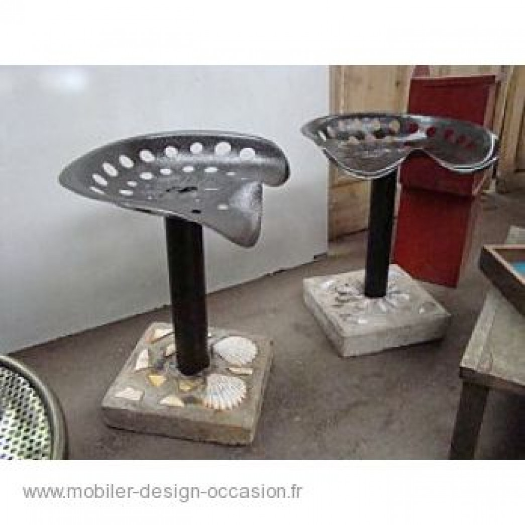2 TABOURETS ASSISE TRACTEUR