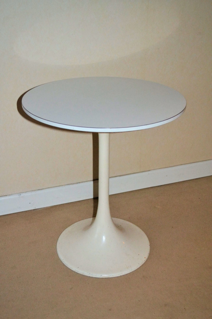 Table basse ronde knoll Table basse saarinen