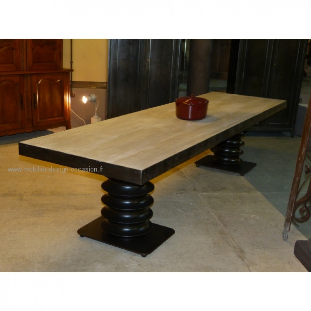 table motte de style industriel. Black Bedroom Furniture Sets. Home Design Ideas
