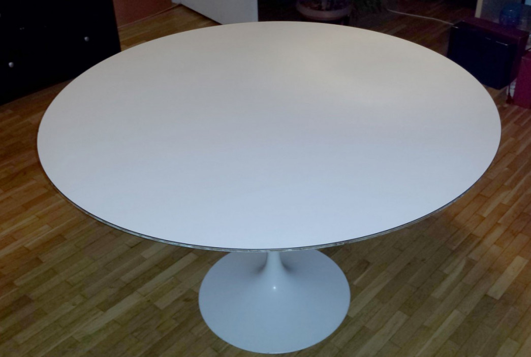 Table basse tulipe knoll table basse tulipe eero saarinen for Table basse tulipe