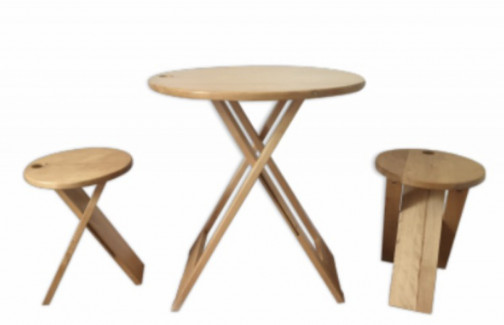 Lot 2 tabourets 1 table Adrian Reed