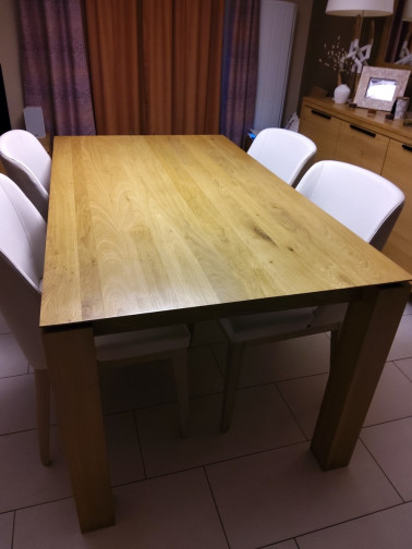 Slice dinning table