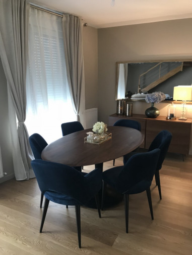 Table ovale noyer