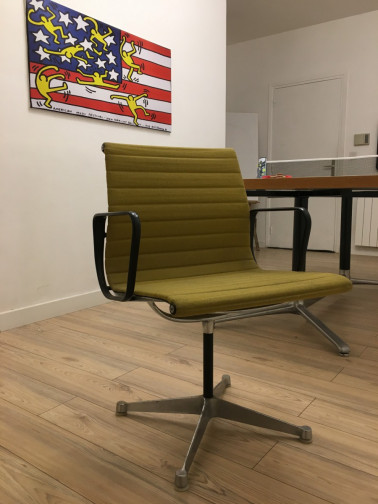 13 chaises EA108 Charles Ray EAMES Herman MILLER