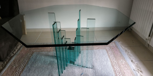 Table octogonale en verre