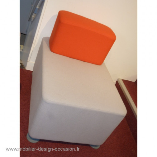 Chauffeuse grise et rouge,Steelcase ,John Small(3)