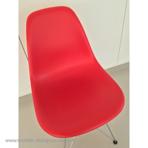 Vitra DSR rouge 2015